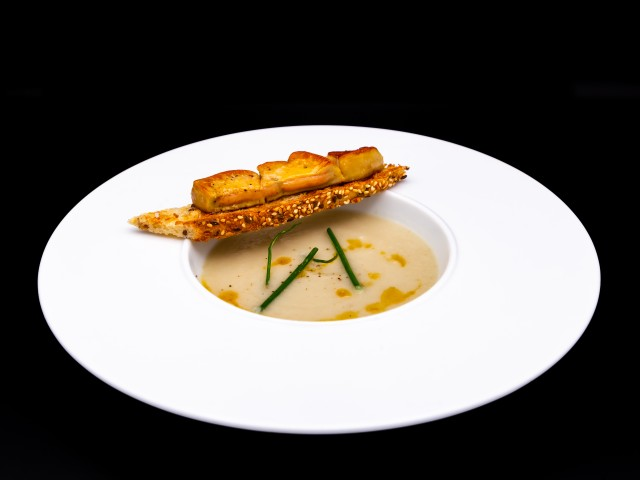 L'Auberge Toast de Foie Gras et son Velouté de Topinambour